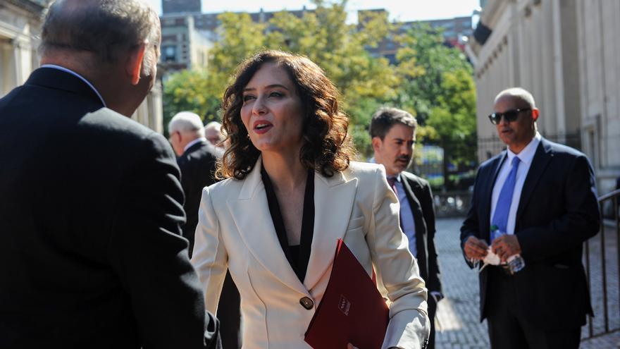 La presidenta de la Comunidad de Madrid, Isabel Díaz Ayuso, a su llegada a una reunión en la sede de la Hispanic Society.