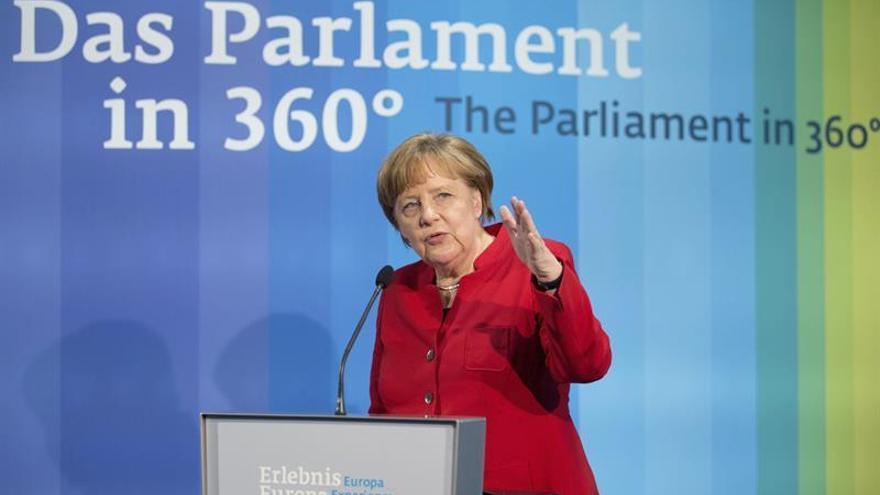 Merkel apuesta por un pacto UE-Turquía y critica a los que pronostican su fracaso