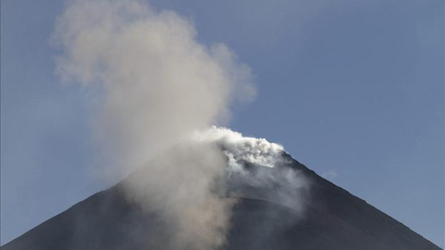 La erupción del Pacaya disminuye pero sigue la alerta naranja en Guatemala
