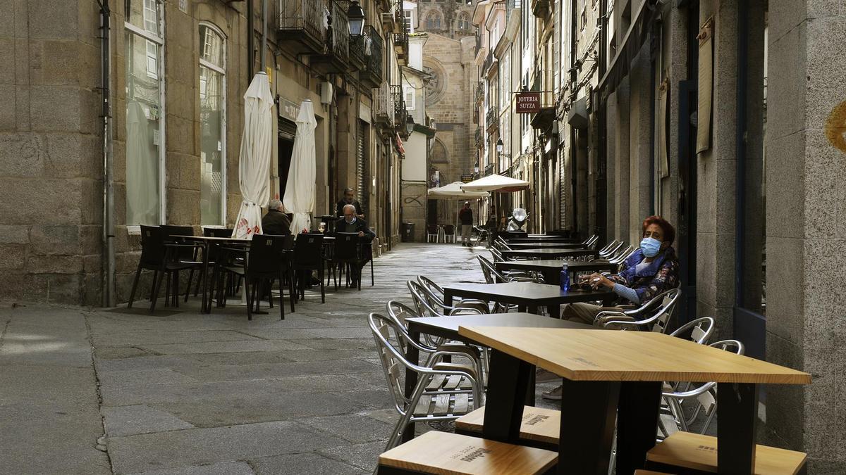 Imagen de las calles de Ourense, prácticamente desiertas tras el cierre de la ciudad
