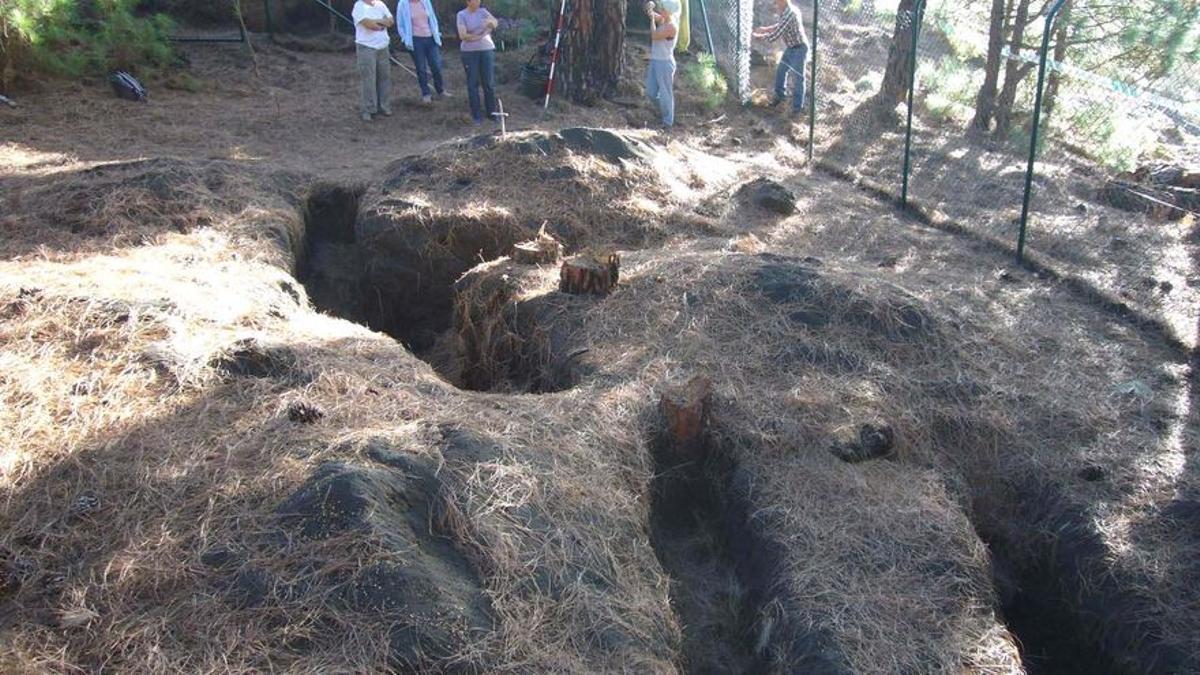 Fosas exhumadas en Fuencaliente. (Gobierno de Canarias)