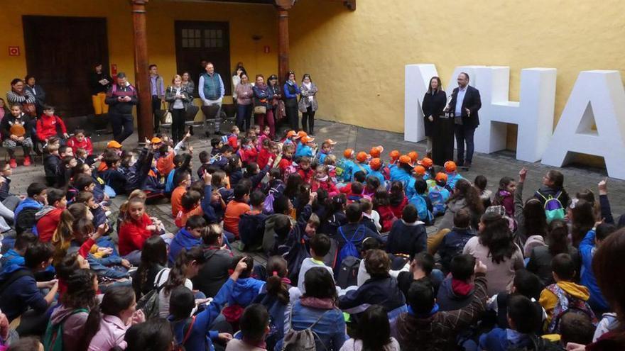 Acto central celebrado por el Cabildo con los escolares participantes en el certamen el 19 de diciembre pasado, en la Casa Lercaro de La Laguna