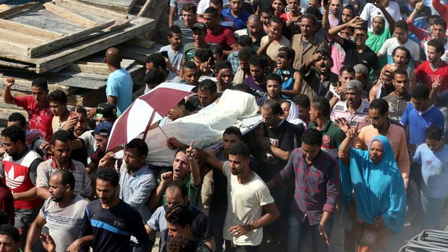 Un muerto en choques entre la Policía y residentes de una isla de El Cairo
