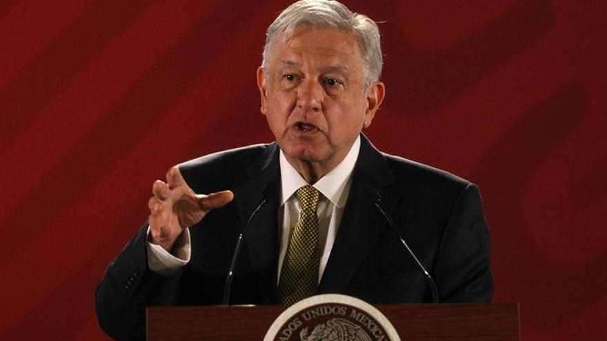 """Presidente de México reitera que solución en Venezuela pasa por el """"diálogo"""""""