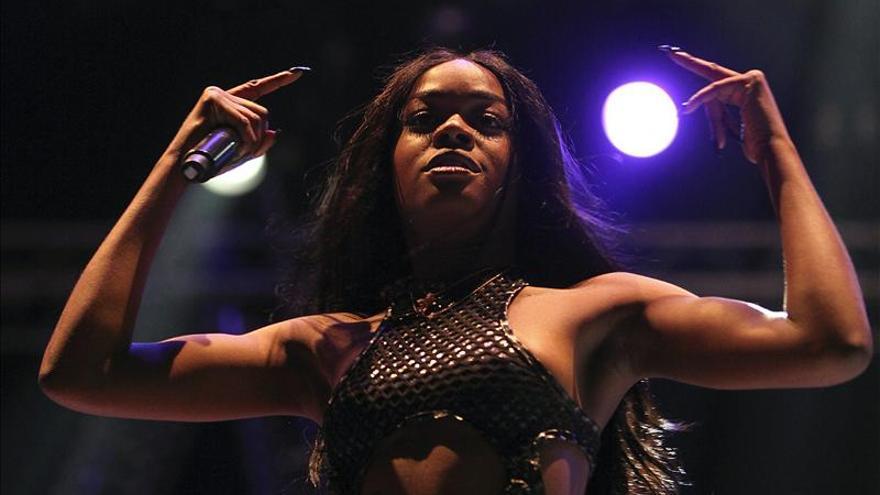 Arenal anuncia a Azealia Banks y Miles Kane y colapsa la venta de abonos