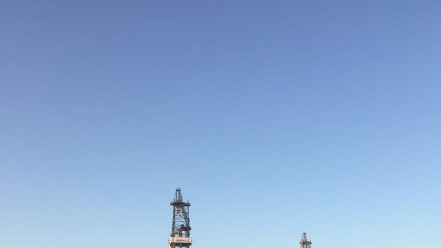 Las plataformas petrolíferas recién llegadas al puerto de Granadilla