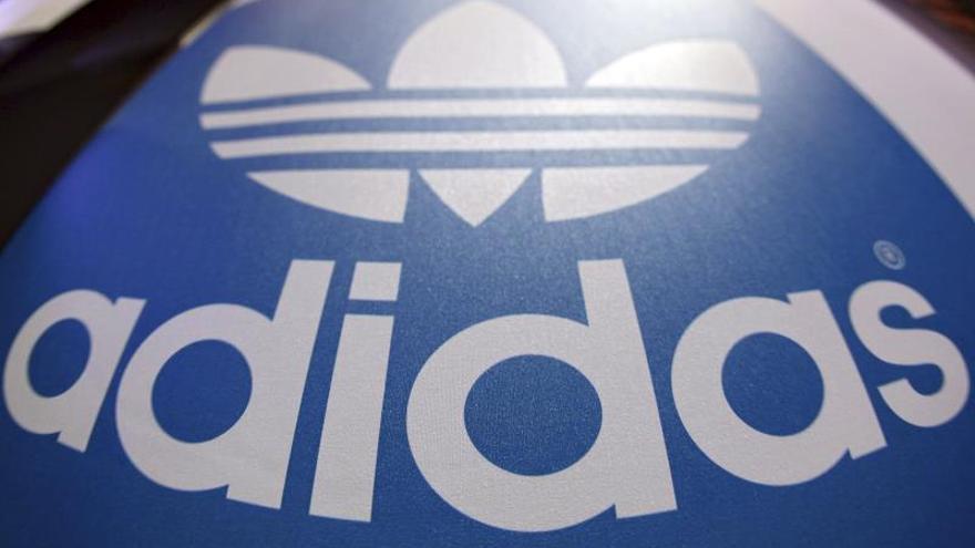La CNMC expedienta a Adidas por cláusulas abusivas a sus franquiciados