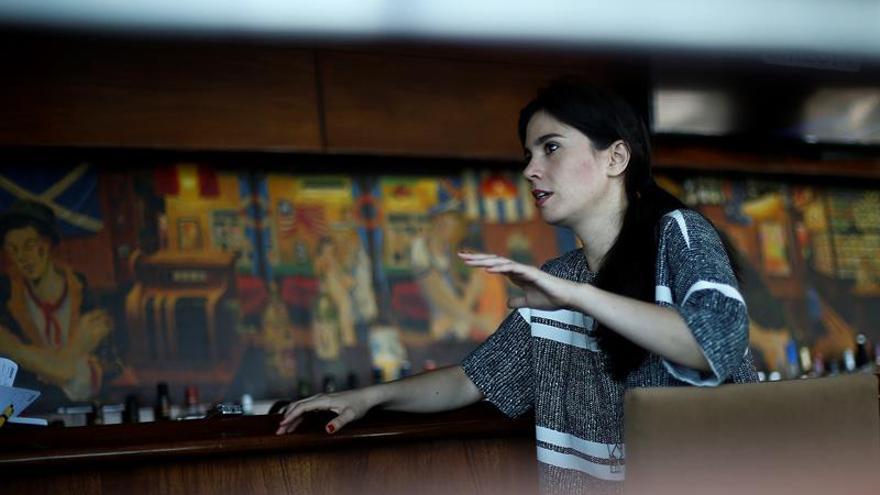 """Javiera Mena dice que el error con Alejandro Sanz podría """"ayudar"""" a su carrera"""