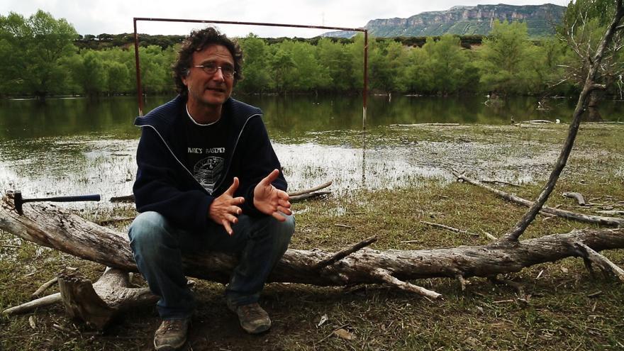 Una imagen de 'Los malos sueños de René Petit', con el geólogo Antonio Casas.