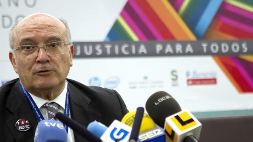 """Carlos Carnicer valora la """"normalidad"""" del proceso de imputación de infanta"""