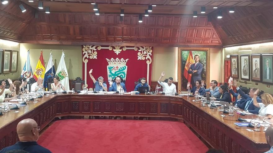 Pleno del Ayuntamiento de Puerto de la Cruz, en Tenerife.