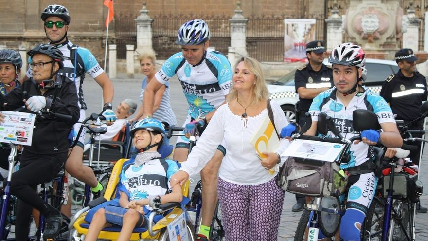 Parte desde la Catedral el peregrinaje adaptado a discapacitados Discamino 2015 con el apoyo de IU