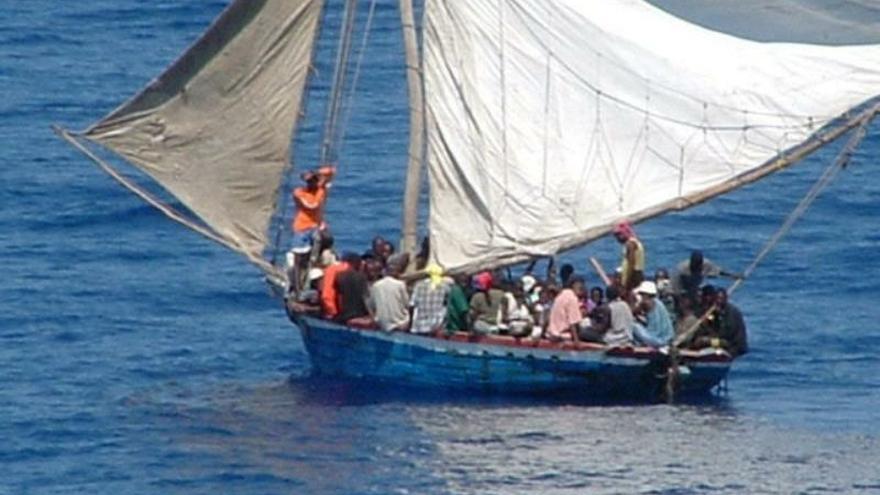 EE.UU. intercepta una embarcación al sur de Florida con 27 cubanos a bordo