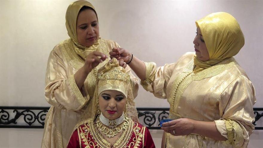 En los nuevos libros escolares en Marruecos apenas aparece el velo islámico