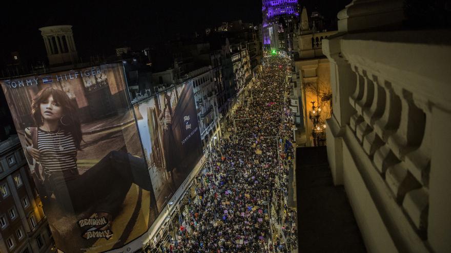 Gran Vía: la emblemática calle madrileña vuelve a ser escenario de una masiva marcha feminista
