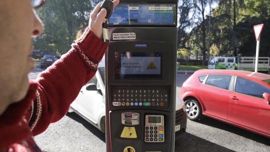 La OCU pide al Ayuntamiento de Madrid no ampliar la zona de estacionamiento regulado