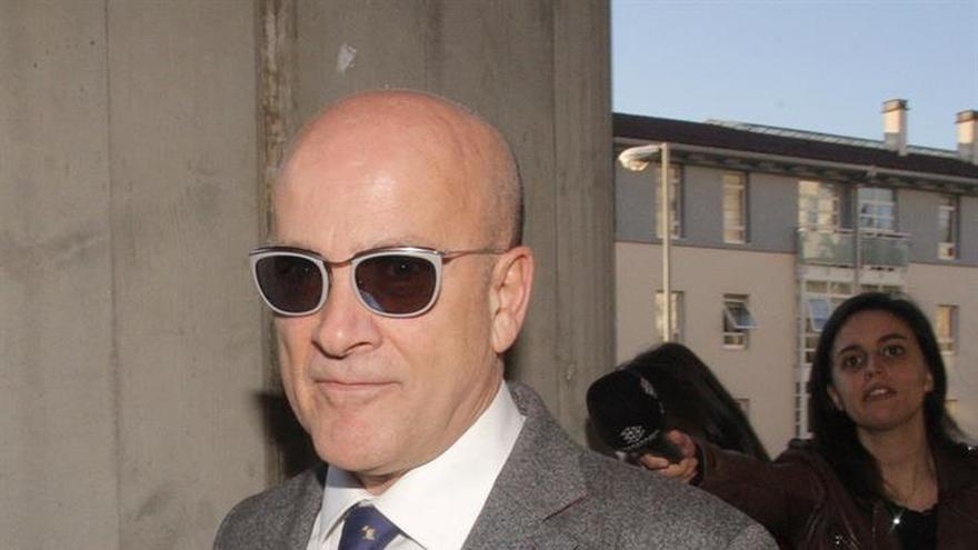 Andrés Cortabitarte, exdirector de Seguridad de Adif, llegando al juzgado para una de sus comparecencias