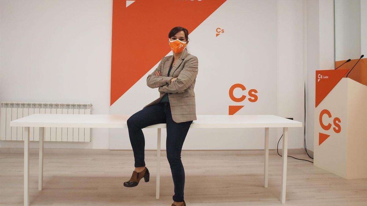 Gemma Villarroel, en la sede de Ciudadanos
