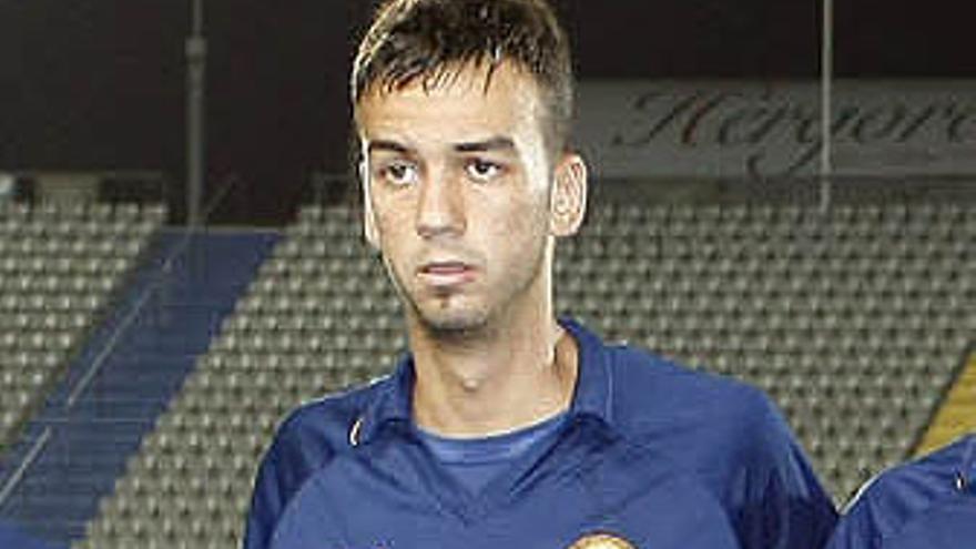 Deivid podría reforzar la defensa de la UD Las Palmas. (ACFI PRESS)