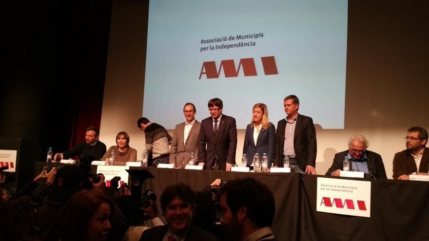 """Puigdemont: habrá referéndum porque el Consell de Garanties """"avala"""" su partida"""