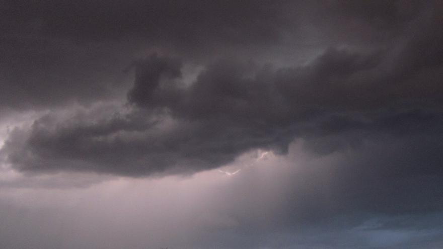 Cantabria seguirá este lunes en riesgo por tormentas