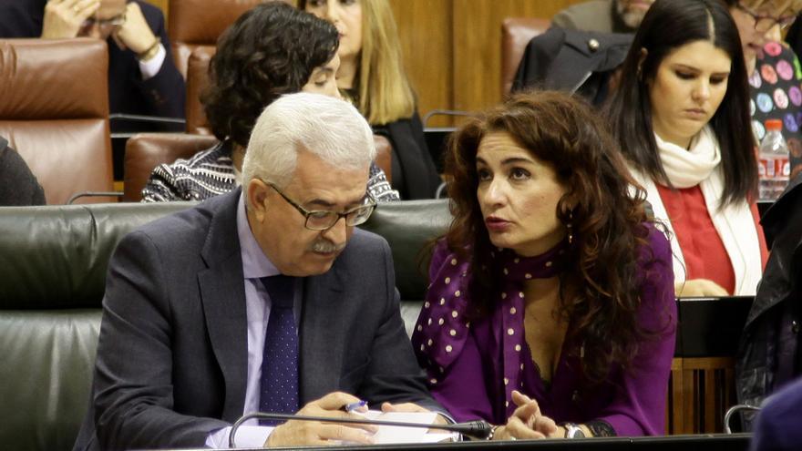 María Jesús Montero junto a Manuel Jiménez Barrios.