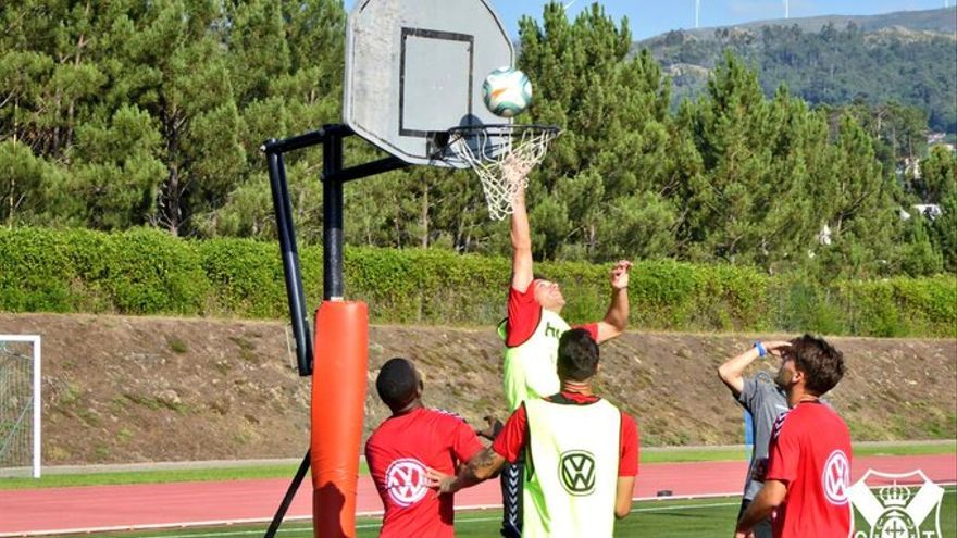 El CD Tenerife lleva días concentrado en el norte de Portugal