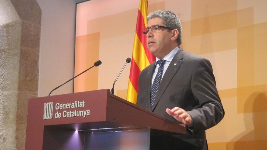 """El Portavoz de la Generalitat cierra su rueda de prensa preguntándose irónicamente si ha informado """"en catalán o lapao"""""""