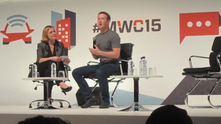 (Amp.) Zuckerberg (Facebook) defiende la rentabilidad de Internet.org para las operadoras