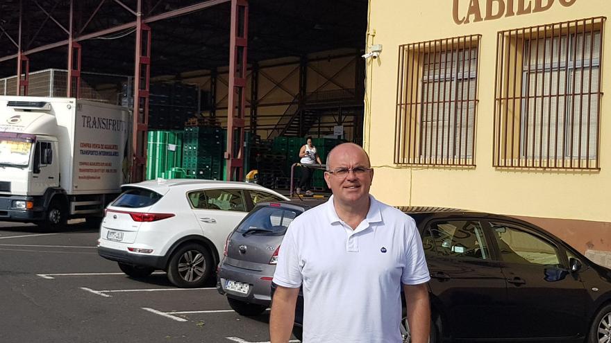 Anselmo Pestana en la Central Hortofrutícola.