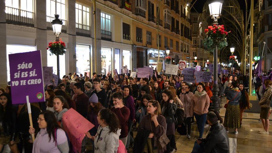 La manifestación del 8M en Málaga, a su paso por calle Larios | N.C: