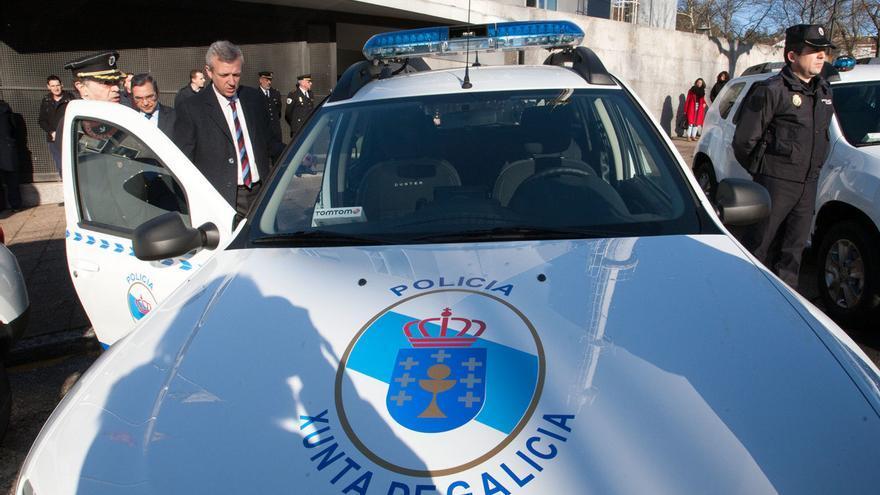 Vehículo de la unidad de policía adscrita a la Xunta