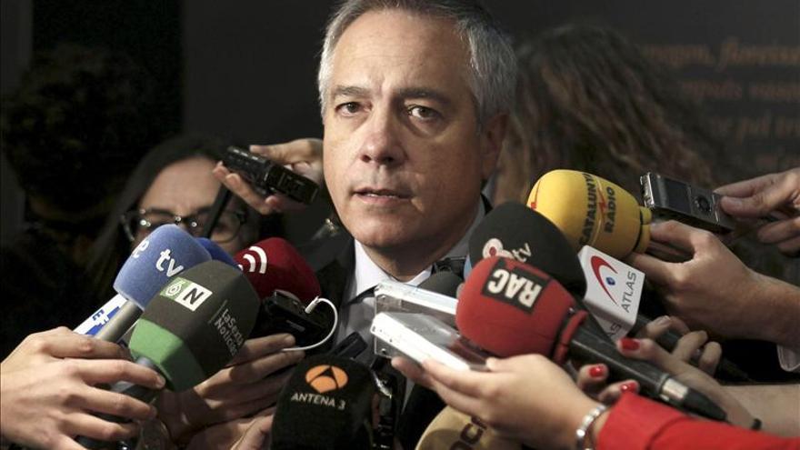 """Navarro (PSC) considera que las """"terceras vías"""" cada vez son más amplias"""