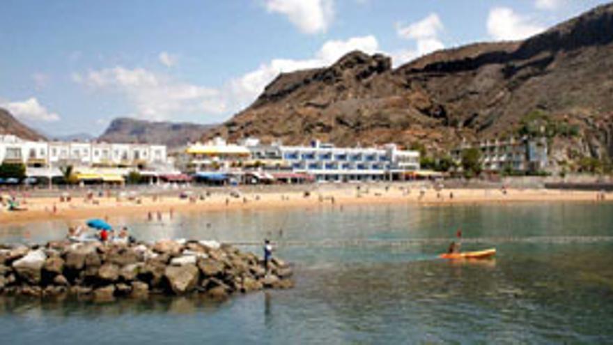 Muere una mujer ahogada en la Playa de Mogán