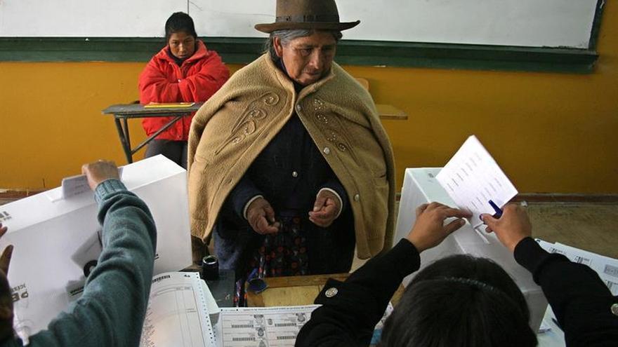 La mujeres votaron por primera vez hace 60 años en Perú y hoy son mayoría