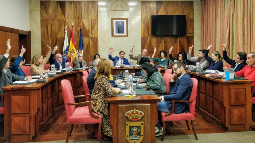 Votación del presupuesto en la sesión plenaria de este lunes.