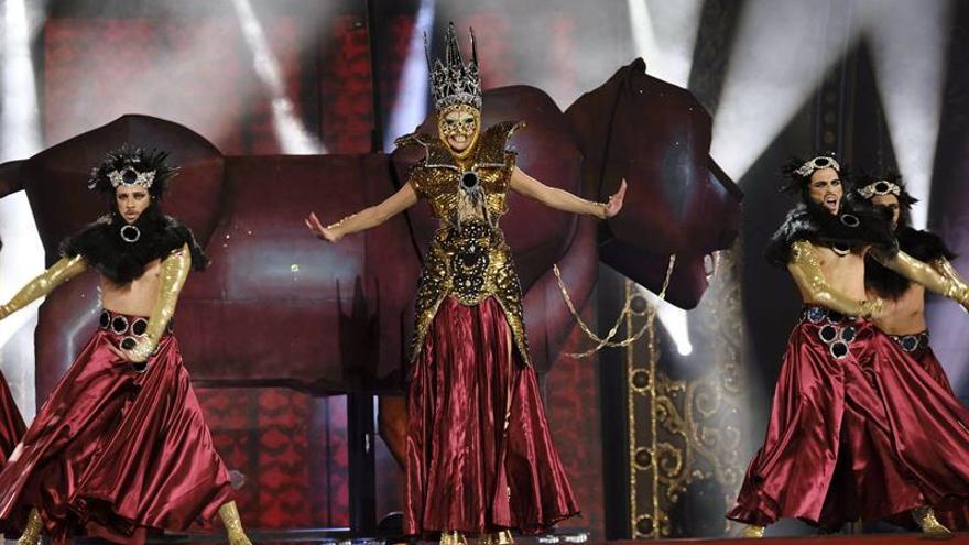 Drag Noa, con la fantasía 'Amazonia', durante su actuación en la gala de elección Drag Queen 2018