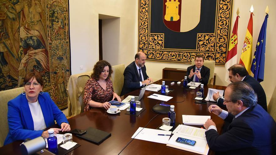 Castilla-La Mancha estudia ayudas a la contratación de personas que hayan perdido su empleo por la crisis sanitaria