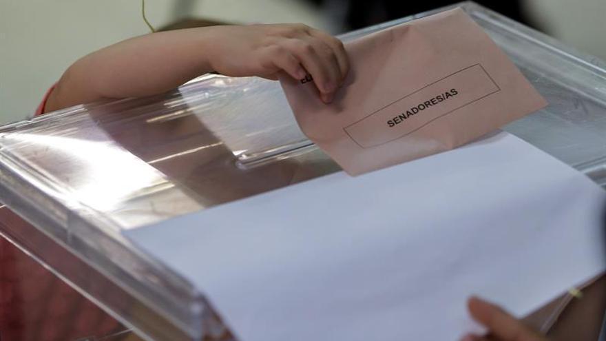 Cierran los colegios electorales en la Península