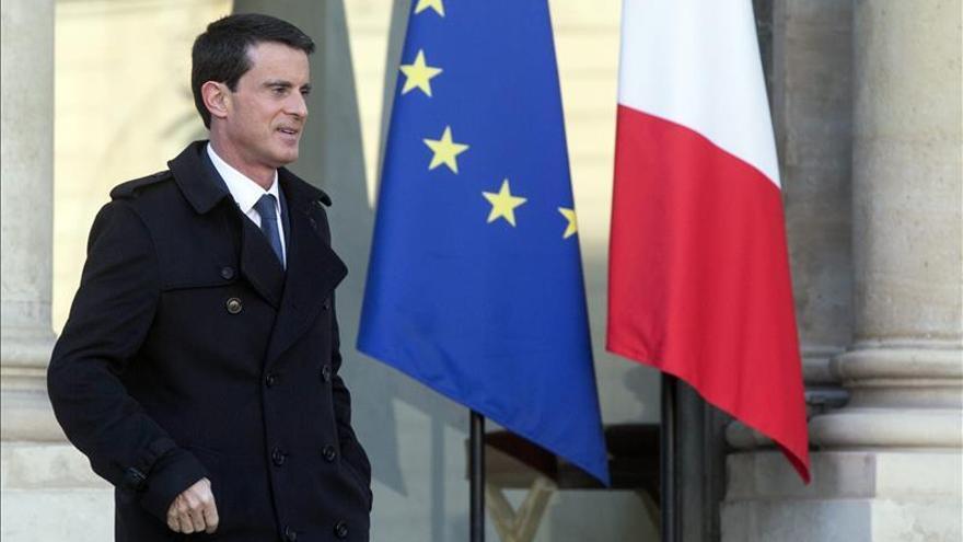 """Valls dice que en Francia """"solo existe una nación"""", frente a las demandas corsas"""