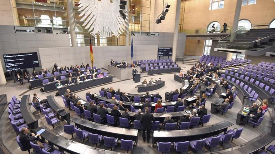 El TC alemán rechaza dar más derechos a la oposición ante la gran coalición