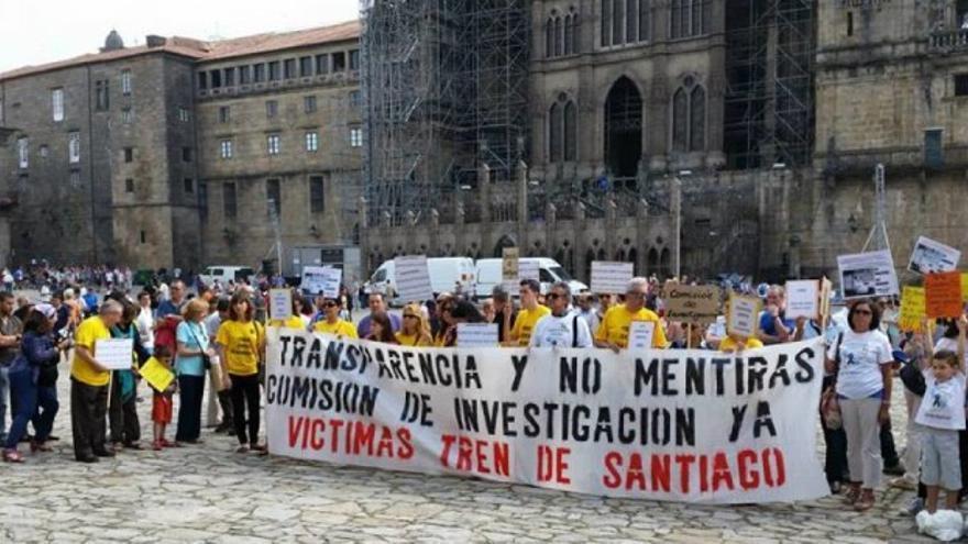 Víctimas del accidente concentradas en Santiago en su segundo aniversario
