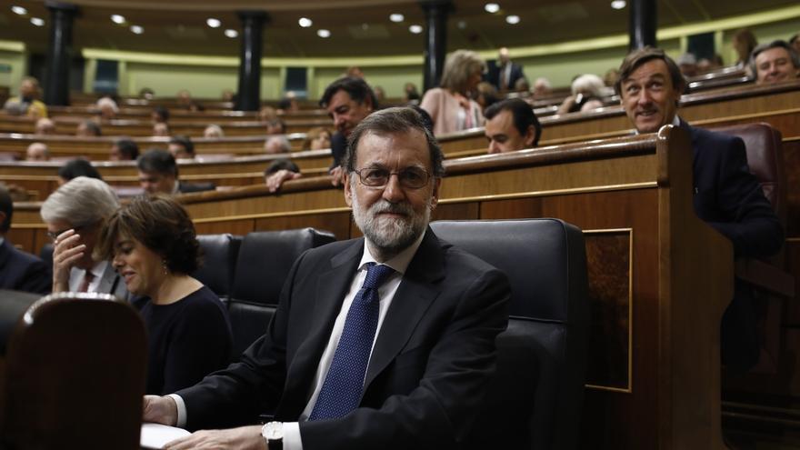 Rajoy responderá hoy en el Congreso a preguntas sobre la crisis en Cataluña, el fraude fiscal y la 'caja B' del PP