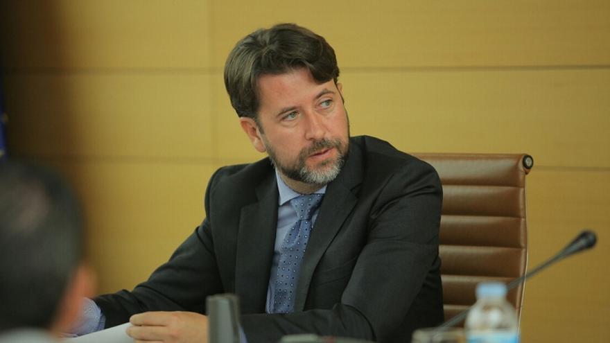 El presidente del Cabildo de Tenerife, Carlos Alonso