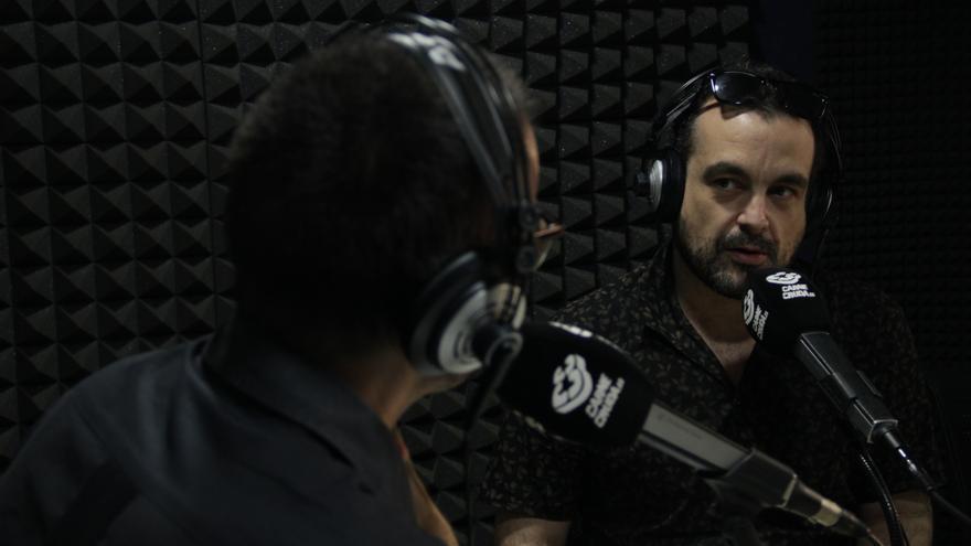 El director de cine Nacho Vigalondo ha vuelto a Carne Cruda como colaborador de He visto cosas - Álvaro Vega