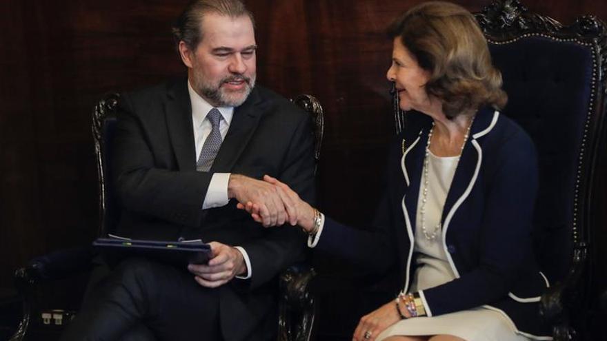 La reina de Suecia elogia el papel de Brasil en la protección de la infancia