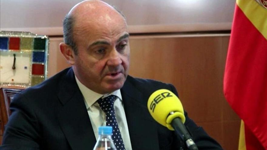 De Guindos dice que la creación de empleo en 2014 será superior a la proyectada