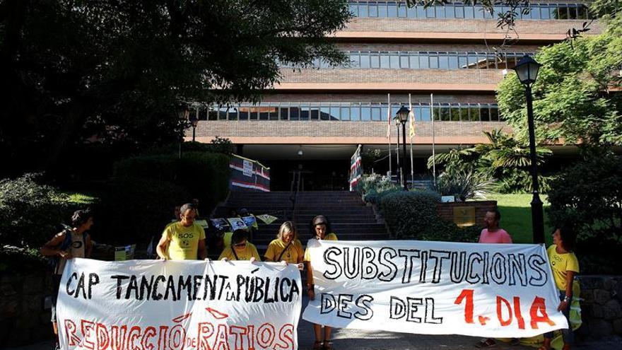 Profesores sustitutos reclaman que se les contrate desde el 1 de septiembre