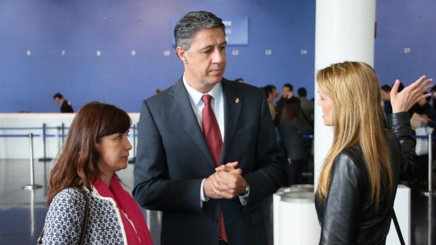 Sonia Esplugas junto al líder del PPC, García Albiol, y la concejal de Badalona Cristina Agüera