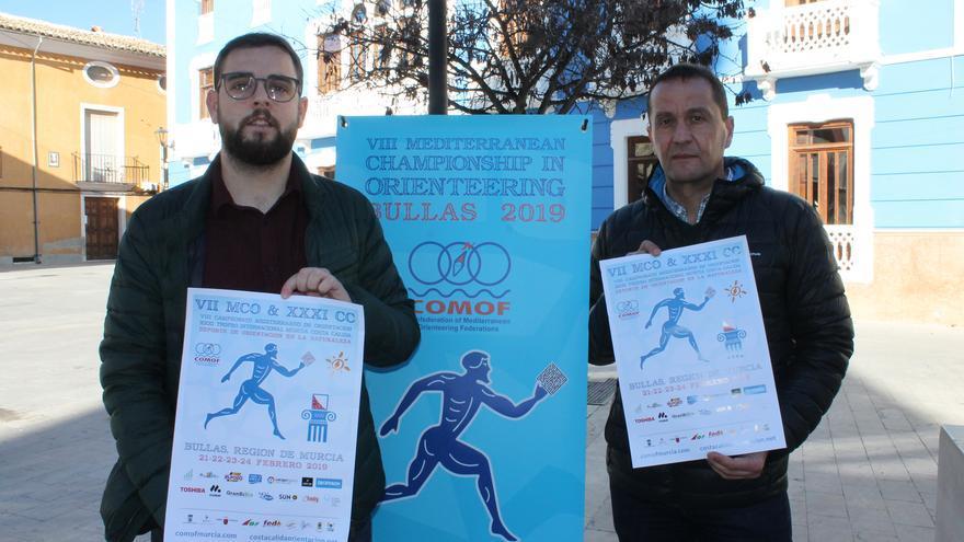 El concejal de Deportes, Alfonso Manuel Guirado, y el presidente de la Federación de Orientación de la Región de Murcia, Francisco Guerao